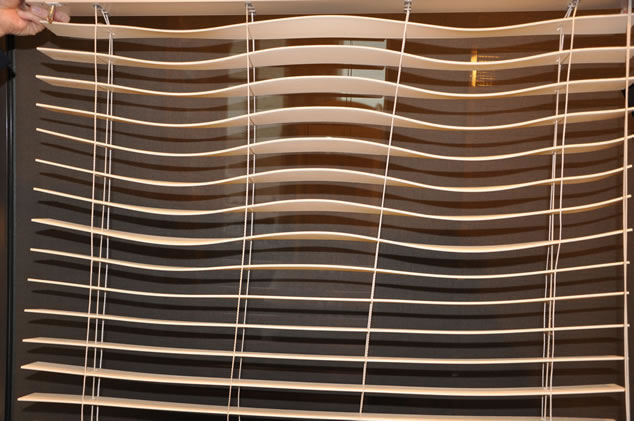 Wavy Cheap Venetian Blinds
