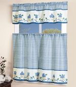 GreenWorld 3 Piece Printed Floral Kitchen/Cafe Curtain With Swag and Tier Window Curtain Set, Blue, White, Lyanna
